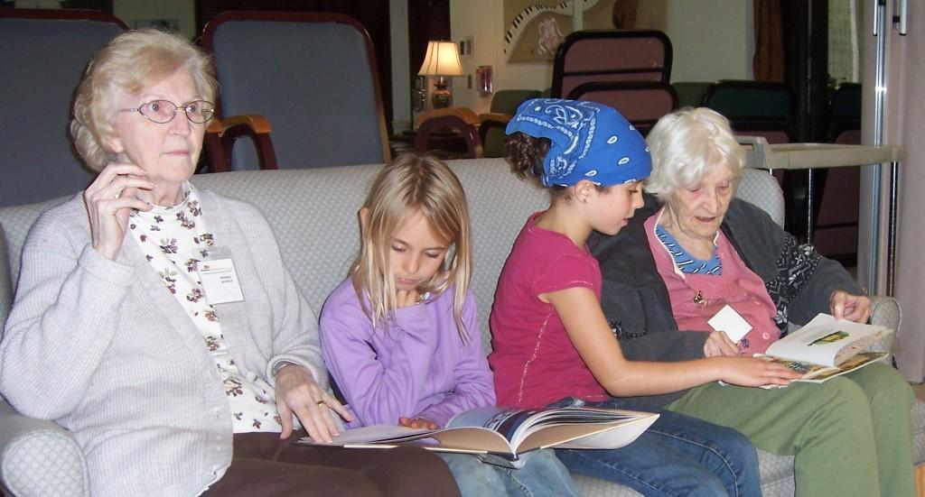 TAASC members visiting a nursing home